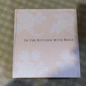 IN THE KITCHEN WITH ROSIE(精装)