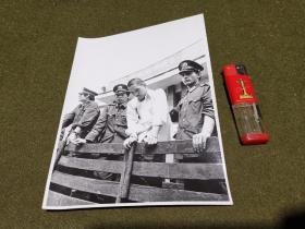 老照片·宣传照 (现太原市万柏林区)河西区义井地区揭露犯罪大会  可能是1987年