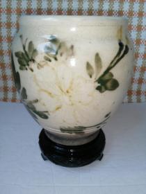 白釉花卉纹水罐