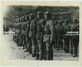 1946年内战时期共产党解放军列队老照片,民国翻拍