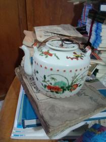 民国粉彩茶壶