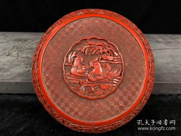 剔紅漆器首飾盒高9cm   直徑16.7cm