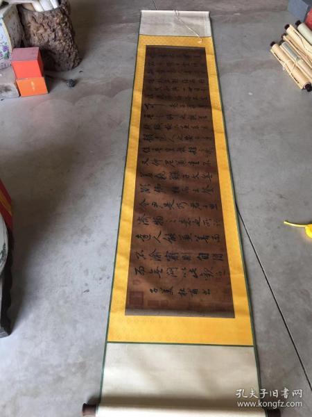 """杜甫(712年—770年),字子美,自號少陵野老,唐代偉大的現實主義詩人,與李白合稱""""李杜""""。"""