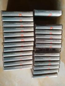 美国英语广播教学系列,中级美国英语磁带25盒合售。少第二盒,第八盒无说明纸。