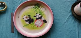 1973年北京日用搪瓷厂大众牌熊猫图搪瓷盘