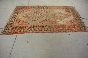 新疆民族手工老地毯