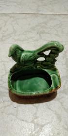 趣味的文革喜鹊瓷塑烟灰缸