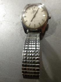 東風牌手表,機械手動,廷走時正常農村收貨收的品相如圖。