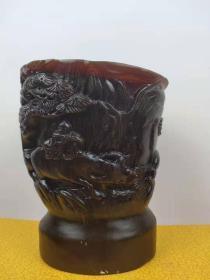 鄉下收,x牛角杯一只,純手工雕刻,雕有雙龍在天品相一流,紋理清晰,保存完整