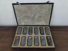 下鄉所收十二生肖套裝松煙墨塊,保存完整無缺失,品相尺寸如圖!