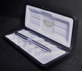 94年產全新英雄200全鋼帶盒14K金鋼筆