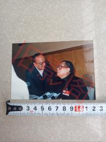 杨尚昆主席和江泽民主席,九十年代初,前后两任国家主席共商国是,老照片,老彩色照片,原版照片