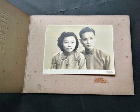 民国老照片,折叠衬板,上海王开照相馆,情侣合影老照片,美品