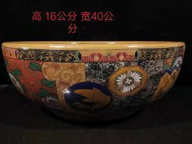 大清雍正年制,珐琅彩掐丝彩绘大碗一个, 包浆均匀自然,皮壳老辣,保存完整无磕碰,画工精美,发色纯正,品相如图