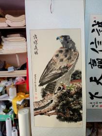 四尺整张鹰,李玉林画,边角有卷角和小撕口现象,个别有发黄的斑点,毕竟将近30年了,永远保真,收自北京。有一张已经卖了。还剩12个。其中一张是9月25日裱好的。裱好的另加裱费40元。标的是一张的价格。三分画七分裱果然不虚 裱完看起来高档多了。