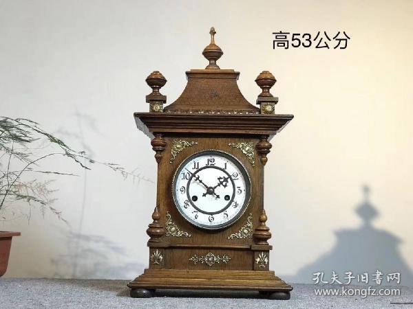 德國進口瓷盤鐘,19世紀末教堂鐘,瓷表盤,西洋洋樓造型,外殼為上等柚木銅鑲嵌,紋飾十分精美,配件齊全,包老保真,走打,響鈴婉轉悠揚,收藏級別……