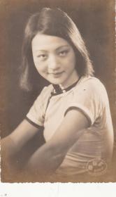 默片时代最后一位女影星:黎莉莉小照一枚【13.2+8.4cm】(5)