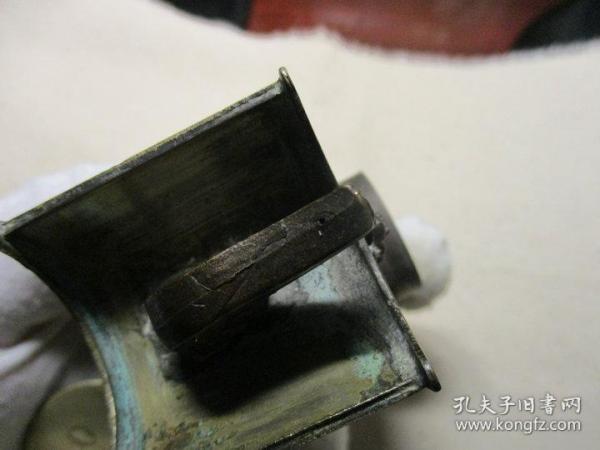 滿工白銅 文房水注 壺嘴下面半公分處兒有個小砂眼兒