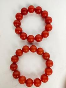 旧藏,南红玛瑙手串一对,珠子圆润饱满,佩戴漂亮。