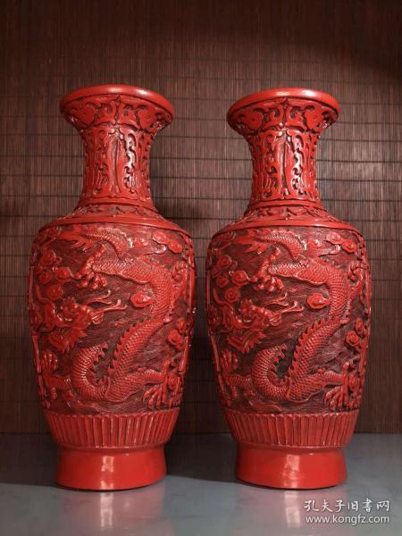 漆器收藏剔紅漆器手工雕龍紋瓶一對高25.5厘米
