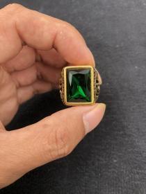 18k金镶嵌绿宝石戒指08585