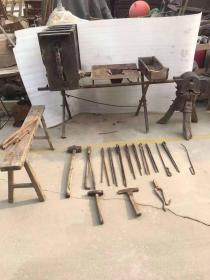 民國時期   全套鐵匠工具   鐵匠專用大風箱  工具齊全  可正常使用