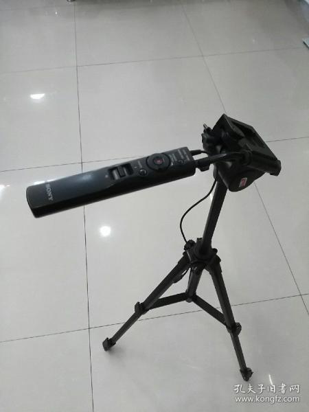 索尼相機三角架,有一腳夾損壞。