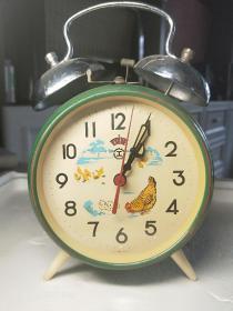 """小雞啄米""""工""""字鬧鐘,老物件全銅芯約70年代的物"""