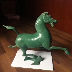 中国旅游标志铜奔马《马踏飞燕》