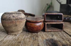 老木火柴盒,印泥盒,水盂。标价非卖价,有意询价