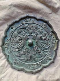 铜镜,皮壳包浆一流,雕刻生动,品相.一流...