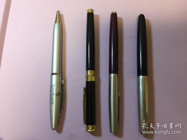 3支舊鋼筆,1支圓珠筆。品相不錯的。其中2支英雄。