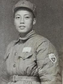 建国初期人民警察戴公安袖标