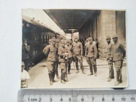 来自侵华日军联队在山东省,山西省,河北省相册,此为其中1张,日军军官,士兵,是否是山东省济南火车站