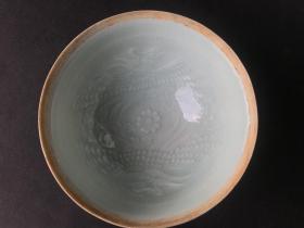 宋代瓷器-宋代景德镇窑凤凰花卉影青釉印花小碗
