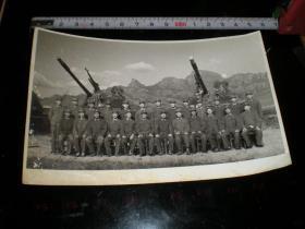 徐州---坦克兵---老照片11  文革-- 部队官兵合影,欢送战友,大尺寸1  另有20张部队战士生活照; 具体尺寸见图 合计22张合售.