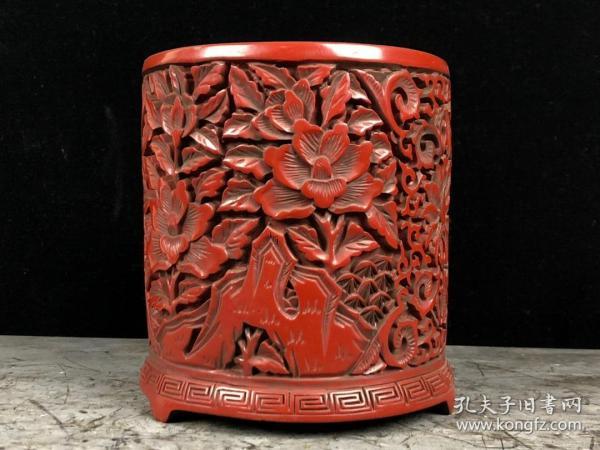 剔红漆器花开富贵笔筒