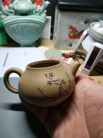 黄紫砂红梅壶