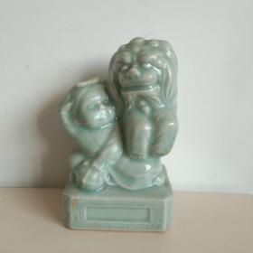 浩然斋集瓷之一百二十:青瓷狮子