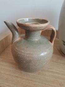 出土,宋代越窑瓜皮釉青瓷执壶。近全品。