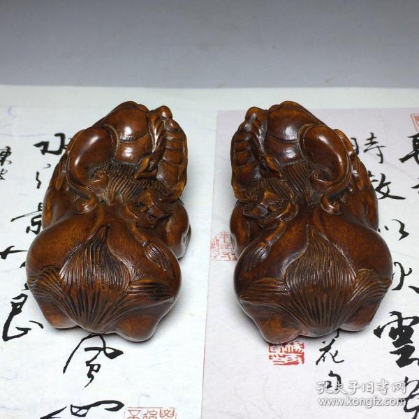 黃楊木貔貅  長6.5cm寬4cm、高3.5cm             ——10月20日