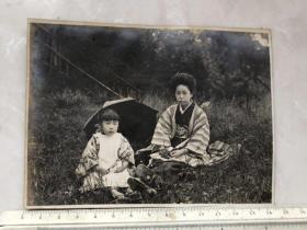 民国早期日本大正时期和服美女母女合影老照片