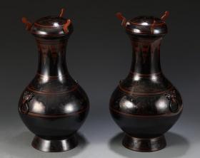 【名稱】:漢麻胎漆器壺一對 【類別】:擺件 【規格】:高39 直徑20cm 總重1300g 【詳細介紹】:早年收藏漢麻胎漆器壺一對,圖案清晰,工藝精美。風格獨特,紋路規范,值得收藏的寶貝。