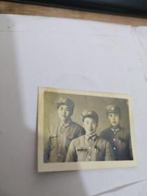 老照片:中国人民解放军  3人合影。实物图 按图发货    编号 分1号册