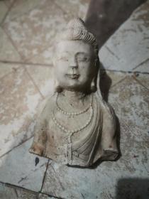 白石头佛像