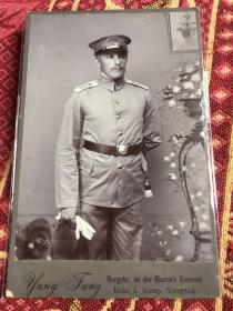 清末德占青岛第三海军步兵营士兵照片