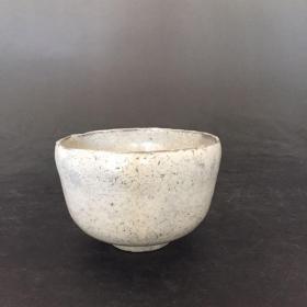 日本 昭和 粉引抹茶碗 白釉铁胎茶碗 秘制釉药 9.8*6.6cm