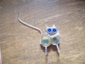 老塑料手工编小动物一个
