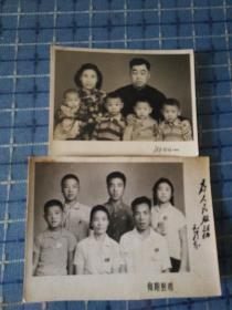 从58年的大跃进到68年的文革一家人的二张照片(政治气候的急剧变化,让他们完成了人到神的蜕变)