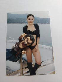 何佩瑜稀有泳装5寸照片